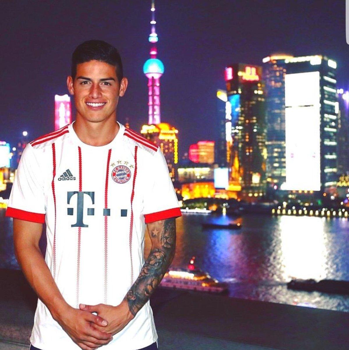 Bayern Third kit 2017-18
